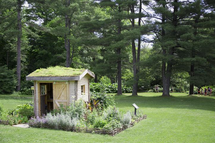 Toiture abri de jardin : Comment bien choisir ? et à quel prix